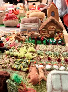 the knitted village Nickles Nickles Valk Chuah knitting and stitching show in London Diy For Kids, Crafts For Kids, Arts And Crafts, Fiber For Kids, Yarn Crafts, Diy Crafts, Creative Knitting, Knitted Animals, Yarn Bombing