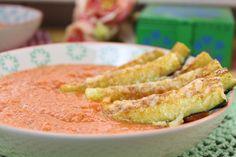 Eine Suppe die rundum glücklich und satt macht... 3 Portionen 600 g kleine Zucchinis längs geviertelt in Sticks zerteilt 10 g Eiweißpulver Natural 1 TL Pap