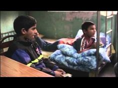 #1 Les enfants jockeys du Qatar : la fin d'un scandale.  #2 Roms : la longue route vers la réinsertion