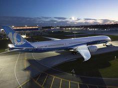 Le Boeing 787-10 fait sa première sortie (photos, vidéo)