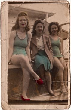 Sisters, London, 1947. From Spitalfields Life.