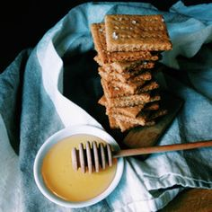 Almond Meal Graham Crackers | Delish & made with whole wheat flour, yum! | HealthyAperture.com