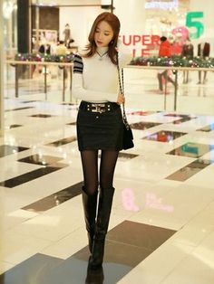 Choosing The Right Womens Fashion Boots Korean Fashion Ulzzang, Korean Fashion Winter, Winter Fashion Outfits, Asian Fashion, Girl Fashion, Womens Fashion, Casual Chique, Girls In Mini Skirts, Style Retro