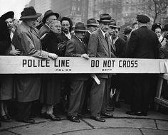 NYC. Drama in the street, 1947 // Kalischer, Clemens