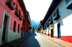 La Candelaria Si tu #DestinoFavorito es #Bogota visitanos en www.easyfly.com.co/Vuelos/Tiquetes/vuelos-desde-bogota