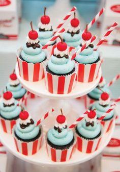 Cupcakes estilo sundae, idoneos para una fiesta anos 50
