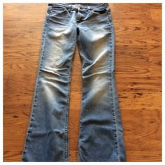 Price Drop AEO jeans Great used condition size 6 Long American Eagle Outfitters Jeans