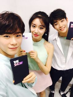 MC Special 'The Show'. MJ #엠제이 (#KimMyungJoon #김명준) MoonBin #문빈 #JiYeon (T-ara)  #아스트로 #ASTRO [Twitter ASTRO| @offclASTRO / Agency Twitter |@fantagiogroup / ASTRO Instagram | @astro.s ]