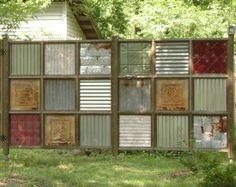 Schutting-gemaakt-van-mooie-verschillende-oude-glazen-panelen.1359148350-van-Drupika.jpeg (614×487)