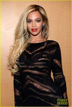 Beyonce Surprises Crowd at Jay Z's Pre-Super Bowl Concert! | beyonce surprises crowd at jay zs pre super bowl concert 02 - Photo