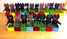 Pääsiäisruoho kissa Diy And Crafts, Arts And Crafts, Spring Crafts For Kids, Easter Art, Jar, Crafty, Holiday Decor, Easter Bunny, Sculptures