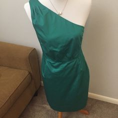 J. Crew One Shoulder Spring Garden Party Dress Perfect for spring, this one shoulder 100% cotton dress from J. Crew is adorable and ready to go! Why? You may ask... Because it has POCKETS FOR SNACKS!! Bust 18 in  Waist 15 in. Any other questions? Feel free to ask! J. Crew Dresses Midi