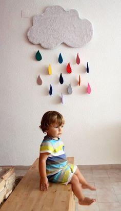 handmade cloud w/ rain drops by La silla Turquesa Diy With Kids, Crafts For Kids, Diy Crafts, Bebe Love, Diy Décoration, Kid Spaces, Mobiles, Kids Bedroom, Bunt