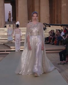 Dolce & Gabbana Look Alta Moda, Valley of the Temples - Alta Moda, Valley of the Temples, July Runway Show by Dolce & Gabbana - Gala Dresses, Couture Dresses, Evening Dresses, Couture Fashion, Runway Fashion, Fashion Show, Special Dresses, Nice Dresses, Weeding Dress
