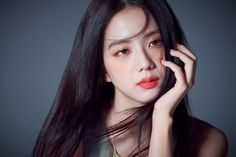 "On March Dior Beauty unveiled several pictorial cuts of the ethereal Jisoo of BLACKPINK. In the photo, Jisoo used Dior Beauty's new product ""DIOR Addict Stellar Halo Shine Lipstick. Blackpink Jisoo, We Heart It, Dior Beauty, Dior Makeup, Vogue Korea, Dior Addict, Jennie Lisa, Ji Soo, Bae Suzy"