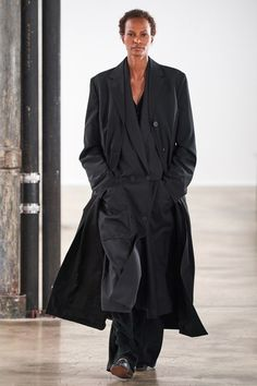 The Row Fall 2020 Ready-to-Wear Fashion Show - Vogue Live Fashion, Fashion Week, Fashion 2020, New York Fashion, Runway Fashion, Fashion Show Collection, Couture Collection, Vogue Paris, The Row