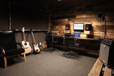 Music Studio Decor, Home Recording Studio Setup, Home Studio Setup, Basement Studio, Home Studio Music, Studio Ideas, Bunker Home, Home Music Rooms, Guitar Room