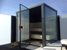 outdoor sauna - New Ideas Saunas, Swimming Pool Designs, Swimming Pools, Spa Hammam, Building A Sauna, Glass Porch, Outdoor Sauna, Outside Pool, Office Pods