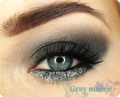 Black & Silver – Paparazzi Pigment by Gray on Makeup Geek