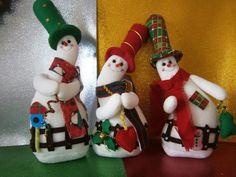 Moldes de nieves derretidos , alguien me los puede compartir los moldes? Christmas Baubles, Christmas Snowman, Christmas Humor, Christmas Stockings, Christmas Decorations, Felt Snowman, Snowman Crafts, Snowmen, Christmas Projects