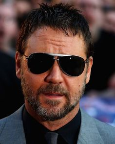 Happy Thanksgiving Day to all in United States! Have a lovely times spend with your family and close persons  #russellcrowe #happythanksgiving #happythanksgivingday #gladiator #stateofplay #robinhood #theniceguys #thewaterdiviner #glasses #beard #actors #actor #handsome #talent #abeautifulmind #russell #crowe