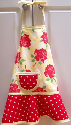 Childrens Apron - Retro Strawberry Lemonade