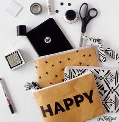 DIY Printed Zipper Pouch (from your inkjet printer using Kraft Tex durable paper fabric. Craft Tutorials, Sewing Tutorials, Sewing Projects, Sewing Ideas, Diy Projects To Try, Crafts To Make, Diy Sac, Zipper Pouch Tutorial, Diy Mode