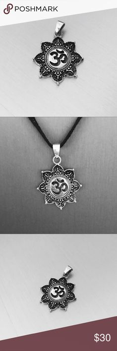 Sterling Silver Tibetan OM in Lotus Pendant Sterling Silver Tibetan OM in Lotus Pendant, Yoga Pendant, Flower Pendant, Religious Pendant Material: 925 Sterling Silver  Height: 32 mm (1.3 inches) Jewelry Necklaces