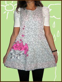 pichi maestra ELIXABETE, un ramillete ;) Tunic Tops, Sewing, Aprons, Fashion, Vestidos, Teacher Clothes, Kids Apron, Kitchen Aprons, Spinning