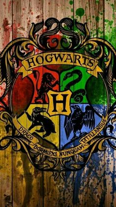Hogwarts - Tap to see awesome Harry Potter fan wallpaper! Harry Potter Tumblr, Harry Potter World, Memes Do Harry Potter, Images Harry Potter, Arte Do Harry Potter, Harry Potter Movies, Harry Potter Fandom, Harry Potter Hogwarts, Harry Potter Wallpaper