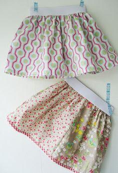 Kimminita: Rokjes op elastiek. Van kleine lapjes 1 lap maken, rimpelen en aan elastiek vastzetten.