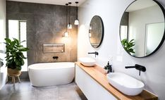 Industrial Bathroom Design Badgestaltung und -bedarf durch Home Renovators Warehouse Industrial Bathroom Design, Modern Bathroom Design, Bathroom Interior Design, Bath Design, Modern Bathroom Lighting, Toilet Design, Bad Inspiration, Bathroom Inspiration, Bathroom Colors