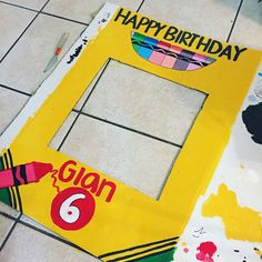 Paola G's Birthday / Crayola/Art - Photo Gallery at Catch My Party Crayon Birthday Parties, Artist Birthday Party, 5th Birthday Party Ideas, Birthday Invitations Kids, Art Party Invitations, Ideas Party, Kids Art Party, Craft Party, Art Themed Party