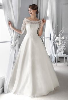 ce2b78e990 14041 - Crystal Collection - Kolekcja sukni ślubnych Agnes - koronkowe suknie  ślubne Suknie Ślubne 2015