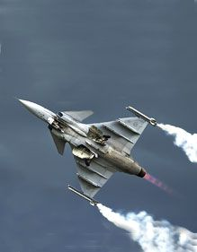 The Saab JAS is a heavily updated version of the Swedish multi-role combat aircraft Saab JAS 39 Gripen, that is capable of carrying out attack, Stealth Aircraft, Fighter Aircraft, Military Aircraft, Military Jets, Military Weapons, Us Fighter Jets, Air Fighter, Saab Jas 39 Gripen, Russian Fighter Jets