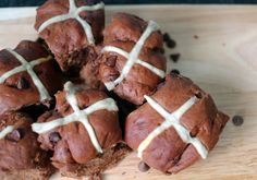 Around le globe: Double chocolate hot cross buns