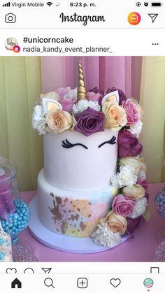 Unicorn cake with real flowers as the mane Cupcakes, Cake Cookies, Cupcake Cakes, Unicorn Wedding, Unicorn Party, Buckwheat Cake, Recipe For Teens, Ricotta Cake, Zucchini Cake