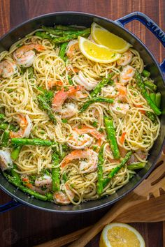 Shrimp Scampi Pasta with Asparagus has a lemon garlic and herb sauce that packs so much fresh and amazing flavor. A 30 minute shrimp scampi pasta recipe!