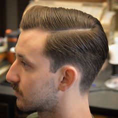 Top 20 New Hairstyles for Men's for 2019! - #HairStyles #Mens #Top Tapered Haircut, Fade Haircut, Hairstyles Haircuts, Haircuts For Men, Hair And Beard Styles, Curly Hair Styles, Classic Mens Hairstyles, Vintage Mens Hairstyles, Classic Mens Haircut