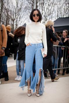 Paris Fashion Week Fall 2016 street style   White sweater + destroyed denim + heels #PFW [Photo: Kuba Dabrowski]