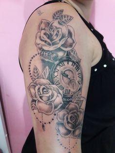 Baby Tattoos, Girly Tattoos, Time Tattoos, Family Tattoos, Tattoo Kind, Pin Up Girl Tattoo, Tattoos For Women Half Sleeve, Shoulder Tattoos For Women, Grandchildren Tattoos