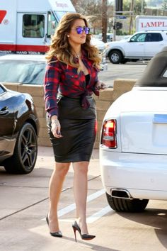 Love the mirrored shades with the casual top and leather pencil skirt #khloe