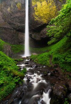 Latourell Falls, Oregon - ©Robert McCadden