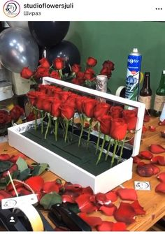 Diy Wedding Decorations, Valentine Decorations, Valentine Crafts, Flower Decorations, Bouquet Cadeau, Diy Bouquet, Paper Flowers Craft, Flower Crafts, Diy Flowers