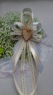 Svadobné pierko jutové s čipkou / AgiHandmade - SAShE.sk - Handmade Pierka Wedding Bows, Floral Wedding, Wedding Favors, Wedding Day, Pew Bows, Palm Sunday, Diy Bow, Diy Flowers, Hair Bows