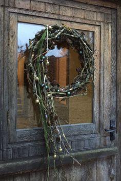 Rustic Christmas, Christmas Wreaths, Natural Bouquet, Grapevine Wreath, Grape Vines, Nature, Home Decor, Primitive Christmas, Holiday Burlap Wreath