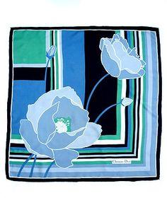 60a188a567b 51 meilleures images du tableau foulard en soie Christian Dior ...