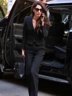 Lawyer Fashion, Business Fashion, Business Women, Work Fashion, Fashion Outfits, Womens Fashion, Alma Clooney, Amal Alamuddin Style, Lawyer Outfit
