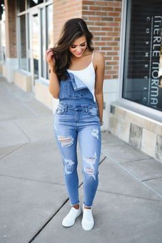 Simple Outfits For School, Casual Summer Outfits, Spring Outfits, Trendy Outfits, Fashion Outfits, School Outfits, Overalls Outfit, Denim Outfit, Denim Overalls