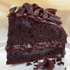 Clo's Sensuous Delights: Gâteau Chocolat Et Marmelade Abricots.Chocolate Cake With Apricots Jam. Jam Recipes, Sweets Recipes, Fun Desserts, Gourmet Recipes, Chocolate Cream Cake, Tasty Chocolate Cake, Chocolate Recipes, Torte Cake, Sweets Cake